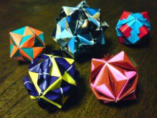 ユニット折り紙続々…